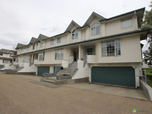 RIVERBEND Large Executive Condo Townhome!