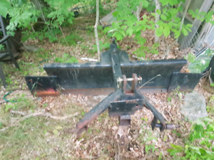 Snow blade 3 point hitch . 80 inch wide