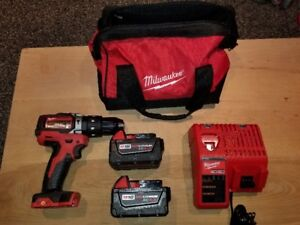 PERCEUSE PERCUSSION MILWAUKEE ,CHARGEUR ,BATERRY XC 5.0 ET 4.0ah