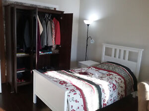 Room for rent in barrie for lady close to downtown