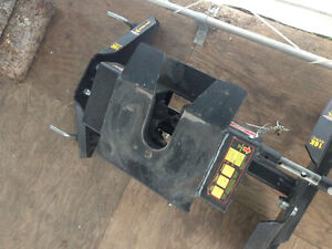 Fifth wheel hitch for sale