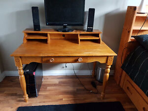 Solid wood desk/computer table