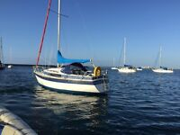 Newbridge Venturer 22ft Bilge Keel Sailing boat with NEARLY NEW Mariner Outboard