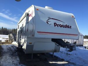 2007 Prowler 5th wheel holiday trailer