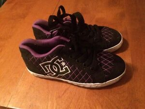 Girls DC sneakers size 13