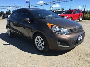 2013 KIA RIO LX * BLUETOOTH * LOW KM * LIKE NEW London Ontario image 8