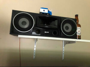 Sony Speakers - Two towers, 4 Surround Speakers, and center