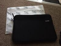 13 inch neoprene tablet/laptop case - brand new.