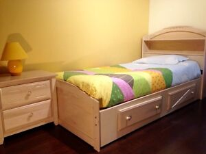 Single bed with mattress & drawler