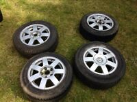 T25 alloy wheels