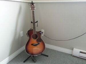 Acoustic Yamaha FSX 720 SC with Pick Up.