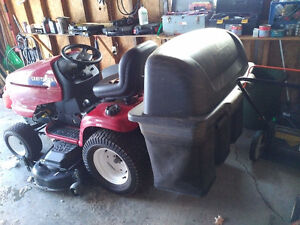 Craftsman DGT 6000 Garden Tractor  25 hp with Bagger & Trailer