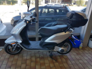 2009 Piaggio Fly looks like new and drives excellent.