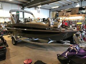 2018 Princecraft Ventura 194 Deck Boat