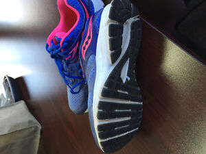 Running shoes,  size 8 brand name saucony