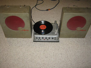 Vintage 1965 Tube Amp & Record Player w/ Speakers - All in One!!