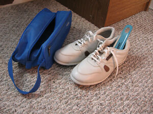 SPORTSTER BOWLING SHOES, MEN'S SIZE 8.5, GENTLY USED
