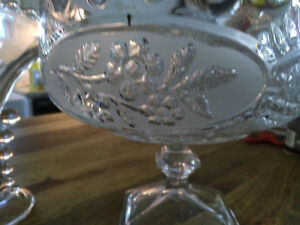 2 crystal serving bowls and a glass vase