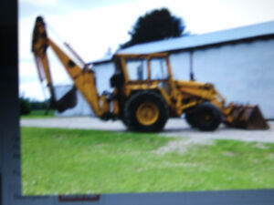 ((((WANTED TO BUY A OLD BACKHOE FOR PERSONAL USE))))