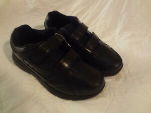 New Mens Black Velcro Runners Size 10 W