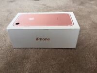 IPHONE 7 ROSE GOLD 32gb,ON EE, TMOBILE & VIRGIN, 3 DAYS OLD BOXED AS NEW, 1 YEAR WARRANTY, MAY SWAP