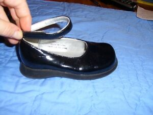 Black Patent Girl's Dress Shoes (Premiere Collection) Size 7