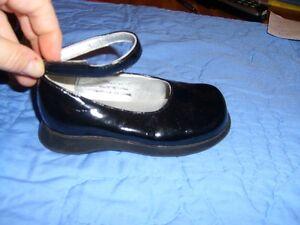 Black Patent Girl's Dress Shoes (Premiere Collection) Size 7