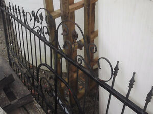 84 FEET OF ORNAMENTAL WROUGHT IRON FENCING SOLD PPU