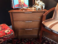 604: Mid-Century Modern Three Drawer Chest of Drawers Dovetail