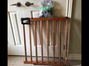Best Quality 'Summer' Deluxe Wood Stairway Gate - x5 for sale