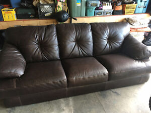 Brown/Mahoganey Leather Couch