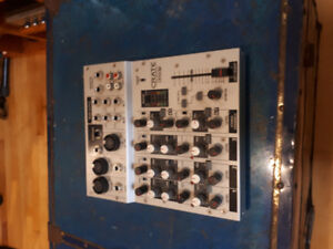 Crate CMX32 4-Channel Mixer