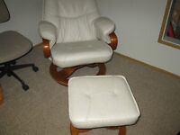 2 white leather chairs with matching stools