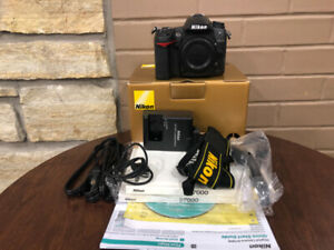 NIKON D7000 camera body kit with 5,179 actuations - MINTY