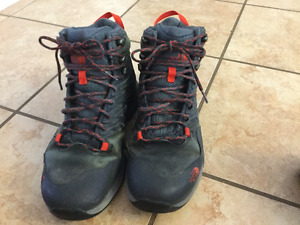 9.5 north face hiking boots