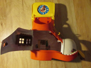 Lesney Matchbox Toy PLAY BOOT Vintage 1977 USA Shoe House