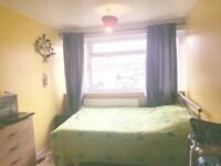 One double room to rent near Maryland/Stratford