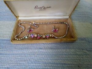 Dressy vintage jewellery set Camp Hill Brisbane South East Preview