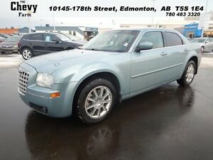 2008 Chrysler 300 TOURING   Leather AWD/ No Accidents!