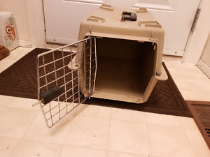Cat carrier for 1 cat call 780 999 5469