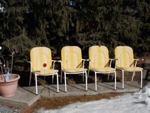 DECK/LAWN CHAIRS (4)