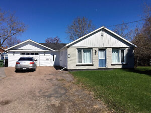 3 Bedroom with Heated and Insulated Garage in Petawawa!