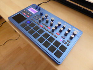 Korg Electribe 2 synth with decksaver - mint