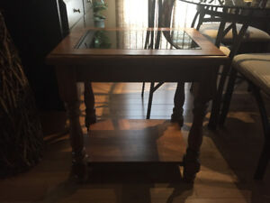 SOLID OAK AMISH END TABLES