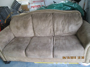 Very good condition 2 piece couch set