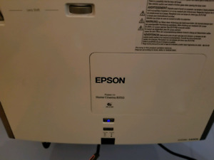 Epson Home Cinema 8350 1080p 3LCD Projector