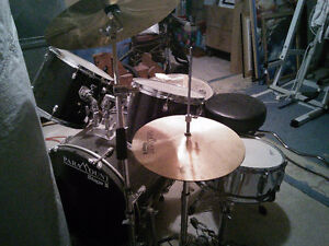 Paramount Stage II Drum Set