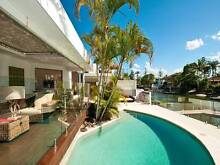 HOLIDAY HOME- 6 BEDROOM WATERFRONT HOME SURFERS PARADISE $275 PN Surfers Paradise Gold Coast City Preview