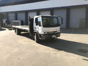 3 Ton Interational Cabover Truck Low KMs