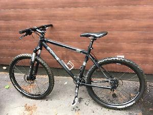 Vélo de montagne DECATHLON BTWIN ROCKRIDER 8.1